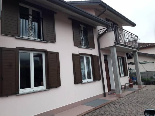 Villa a Schiera in Vendita a Marchirolo
