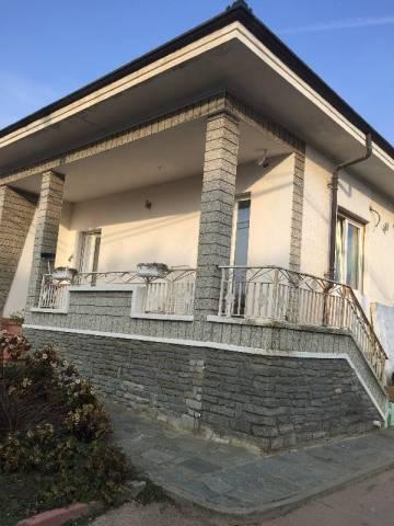 Villa in vendita a Pinerolo, 5 locali, prezzo € 295.000 | CambioCasa.it