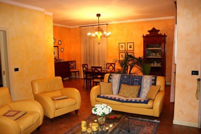 Villa in vendita a Montichiari, 6 locali, prezzo € 417.000 | CambioCasa.it