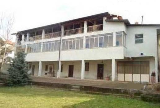 Villa in vendita a Borgomanero, 5 locali, prezzo € 150.000 | CambioCasa.it