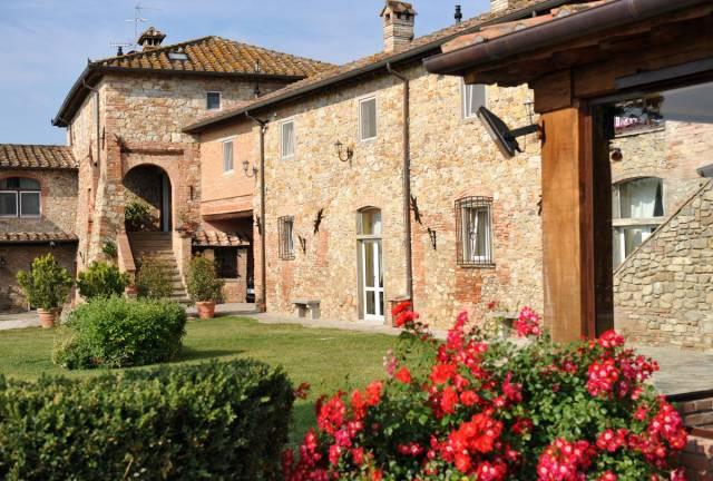 Rustico / Casale in vendita a Sansepolcro, 6 locali, Trattative riservate | CambioCasa.it