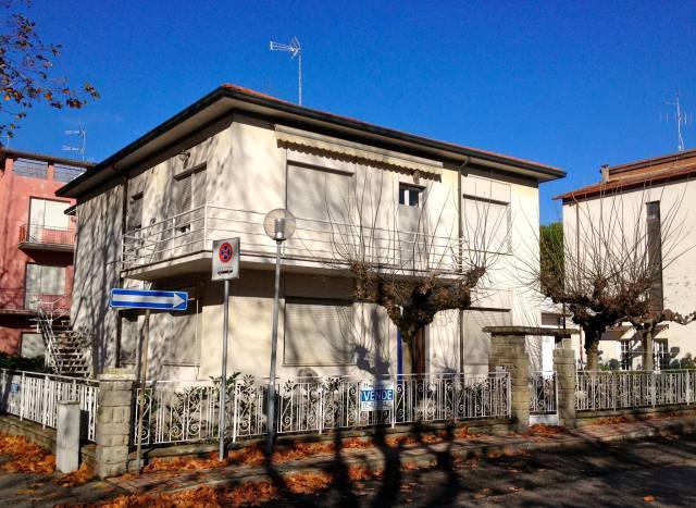 Villa in Vendita a Cesenatico