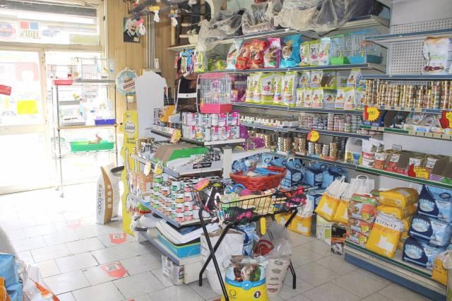 Negozio / Locale in affitto a Bari, 1 locali, prezzo € 650 | CambioCasa.it
