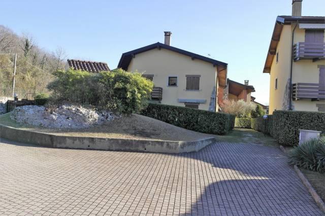 Appartamento in vendita a Besozzo, 3 locali, prezzo € 148.000 | CambioCasa.it