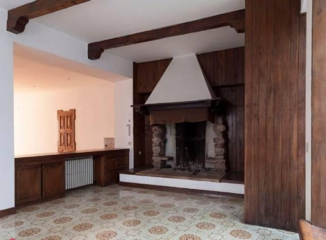 Appartamento in affitto a Spello, 6 locali, prezzo € 500 | CambioCasa.it