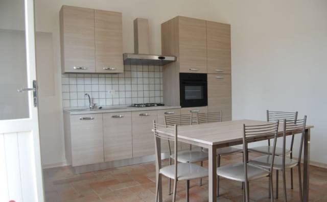 Appartamento in affitto a Spello, 4 locali, prezzo € 500 | CambioCasa.it