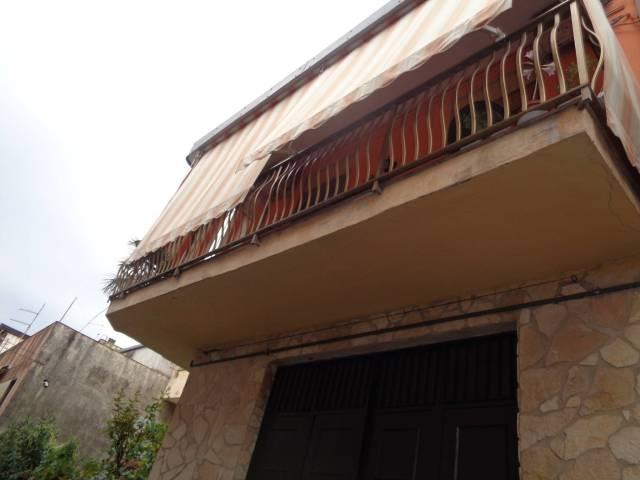 Appartamento in vendita a Adrano, 4 locali, prezzo € 100.000 | CambioCasa.it