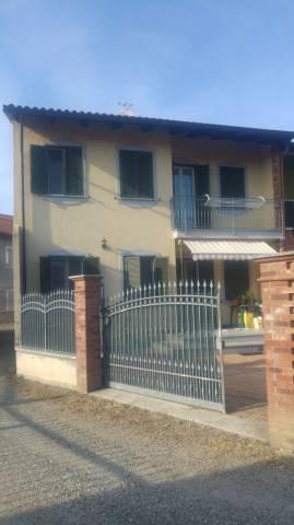 Soluzione Indipendente in vendita a Caluso, 5 locali, prezzo € 165.000 | CambioCasa.it