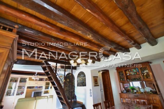 Villa in vendita a Varazze, 6 locali, prezzo € 299.000 | CambioCasa.it
