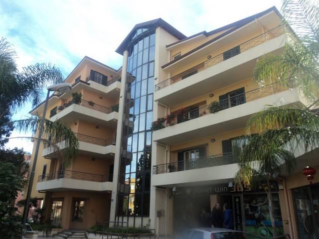 Appartamento in vendita a Patti, 6 locali, Trattative riservate | CambioCasa.it