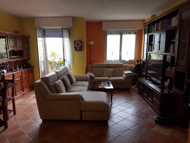 Appartamento in vendita a Vimercate, 3 locali, prezzo € 185.000   CambioCasa.it