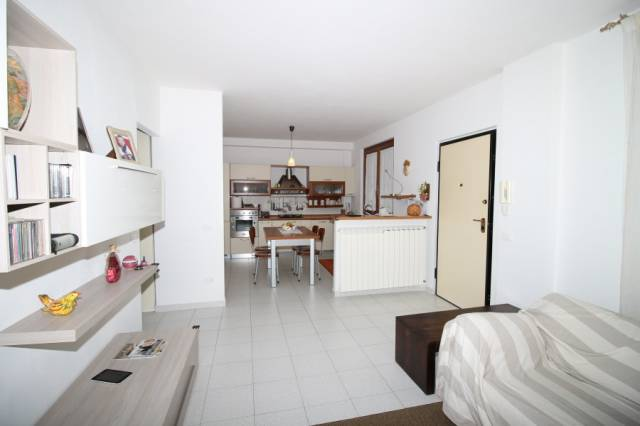 Appartamento in vendita a Castelnuovo Berardenga, 4 locali, prezzo € 200.000 | CambioCasa.it