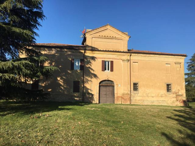 Appartamento in affitto a Castel San Pietro Terme, 6 locali, prezzo € 1.300   CambioCasa.it