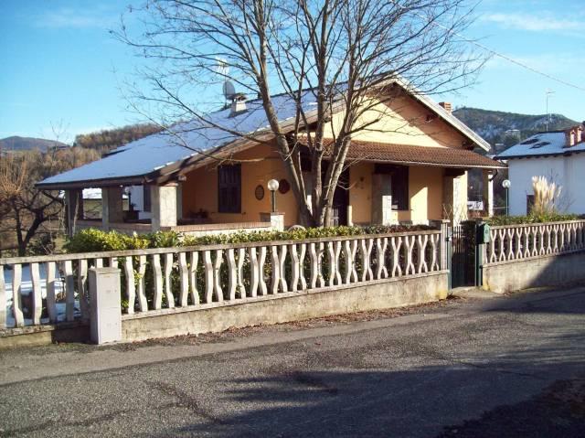 Villa in vendita a Casaleggio Boiro, 6 locali, prezzo € 200.000   CambioCasa.it