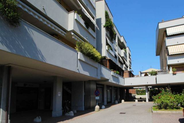 Ufficio / Studio in affitto a Carugate, 1 locali, prezzo € 850   CambioCasa.it