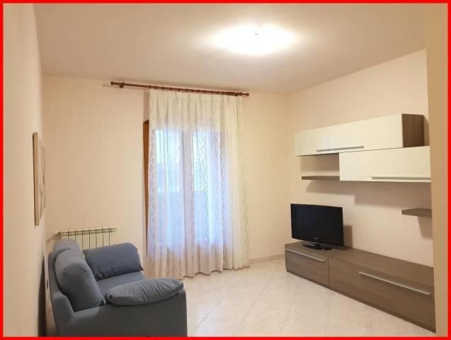 Appartamento in affitto a Aci Catena, 5 locali, prezzo € 500 | CambioCasa.it