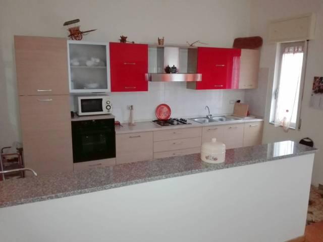 Appartamento in vendita a Riola Sardo, 4 locali, prezzo € 120.000 | CambioCasa.it