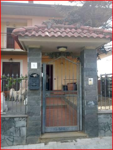 Villa in vendita a Aci Sant'Antonio, 6 locali, prezzo € 299.000   CambioCasa.it