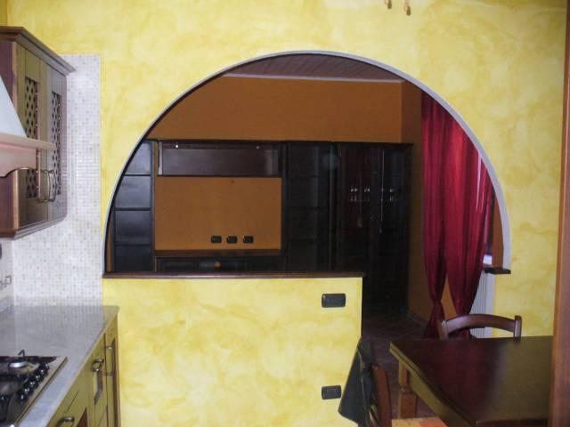 Appartamento in vendita a Albiano d'Ivrea, 2 locali, prezzo € 35.000   CambioCasa.it