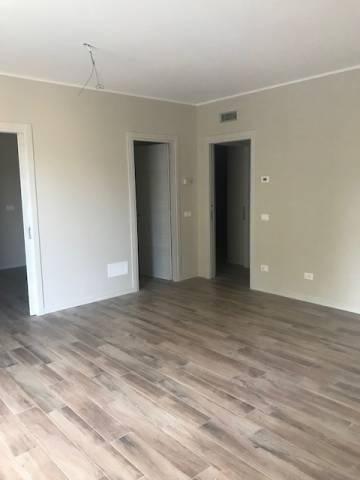 Appartamento in affitto a Castegnato, 4 locali, prezzo € 800 | CambioCasa.it
