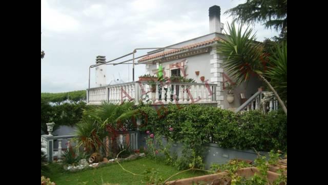 Villa in vendita a Marino, 6 locali, prezzo € 429.000 | CambioCasa.it