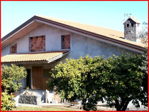 Villa in Vendita a Valverde