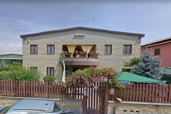 Soluzione Indipendente in vendita a Oleggio, 6 locali, prezzo € 180.000 | CambioCasa.it