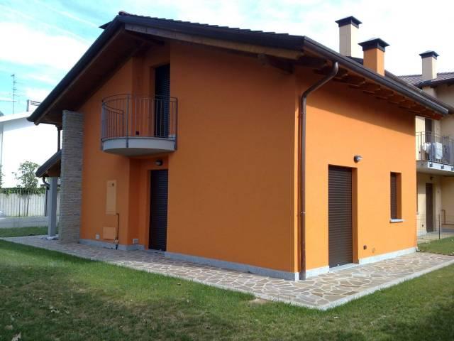 Villa a Schiera in Affitto a Magnago