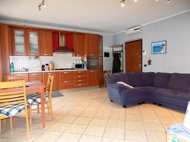 Appartamento in vendita a Roncello, 2 locali, prezzo € 98.000 | CambioCasa.it