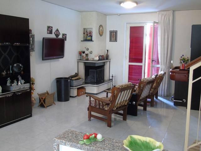 Villa in vendita a Frattamaggiore, 4 locali, prezzo € 219.000 | CambioCasa.it