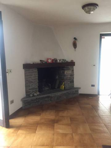 Rustico / Casale in vendita a Civo, 4 locali, prezzo € 50.000 | CambioCasa.it