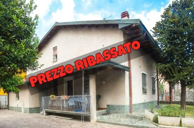 Villa in vendita a Cerro Maggiore, 5 locali, prezzo € 290.000 | CambioCasa.it