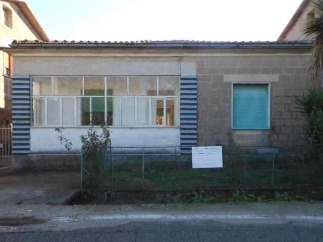 Soluzione Indipendente in vendita a Conca della Campania, 5 locali, prezzo € 50.000 | CambioCasa.it
