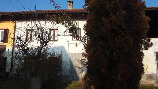 Rustico / Casale in vendita a San Damiano d'Asti, 5 locali, prezzo € 52.000 | CambioCasa.it