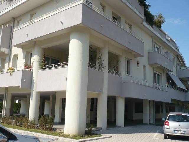 Appartamento in vendita a Padova, 4 locali, zona Zona: 1 . Centro, prezzo € 290.000 | CambioCasa.it