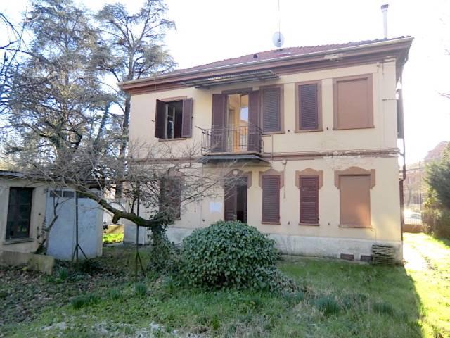 Villa in vendita a Asti, 6 locali, Trattative riservate | CambioCasa.it