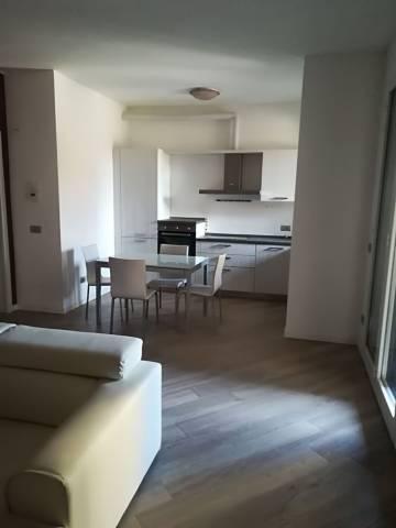 Appartamento in affitto a Bellusco, 3 locali, prezzo € 750 | CambioCasa.it