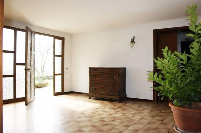 Villa in vendita a Bassano del Grappa, 6 locali, prezzo € 310.000 | CambioCasa.it