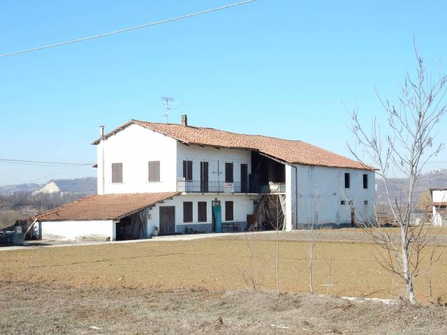 Rustico / Casale in vendita a Lesegno, 6 locali, prezzo € 160.000 | CambioCasa.it