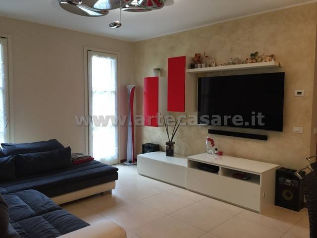 Appartamento in vendita a Parabiago, 3 locali, prezzo € 245.000 | CambioCasa.it