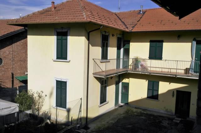Appartamento in vendita a Travedona-Monate, 3 locali, prezzo € 99.000 | CambioCasa.it
