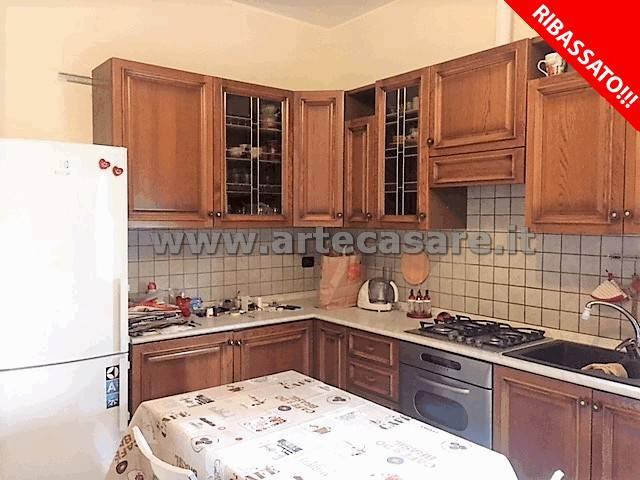 Appartamento in vendita a Canegrate, 3 locali, prezzo € 125.000 | CambioCasa.it