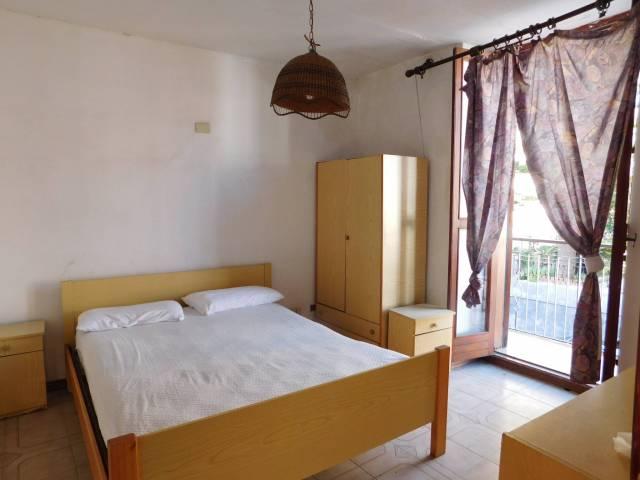 Appartamento in vendita a Sant'Alessio Siculo, 4 locali, prezzo € 120.000 | CambioCasa.it
