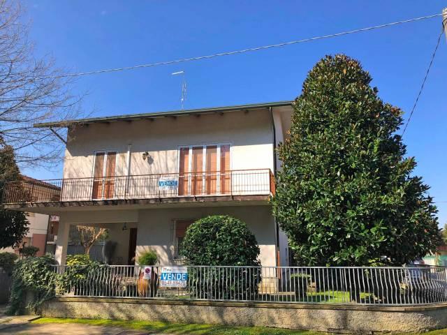 Villa in vendita a Cesenatico, 6 locali, prezzo € 499.000 | CambioCasa.it