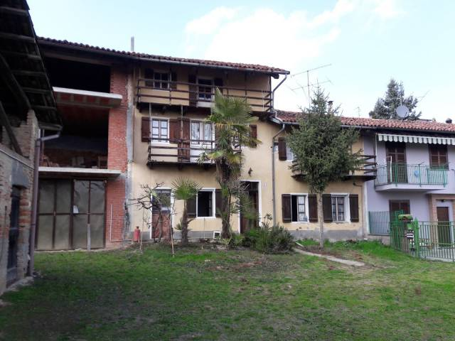 Soluzione Indipendente in Vendita a Cisterna d'Asti