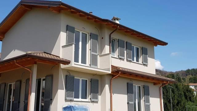 Villa in vendita a Uggiate-Trevano, 5 locali, prezzo € 430.000 | CambioCasa.it