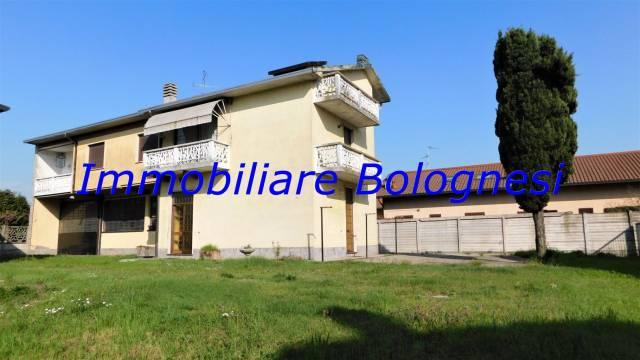 Villa in vendita a Ferno, 5 locali, prezzo € 390.000 | CambioCasa.it