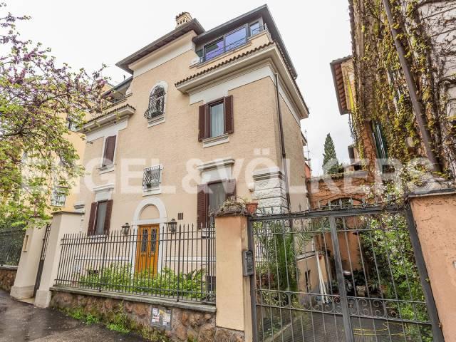 Casa indipendente in Vendita a Roma 06 Nuovo / Salario / Prati fiscali: 5 locali, 320 mq