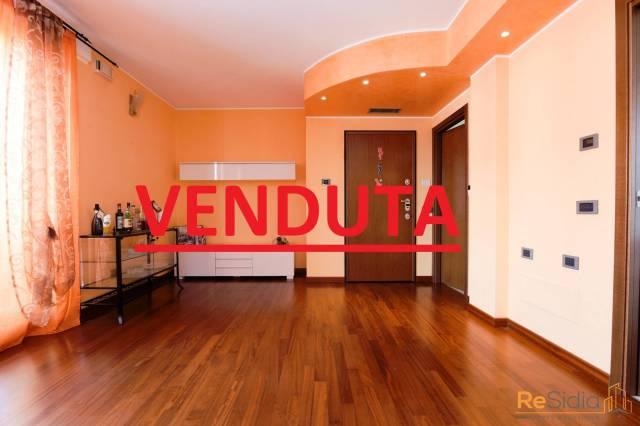 Appartamento in vendita a Biassono, 3 locali, prezzo € 220.000 | CambioCasa.it
