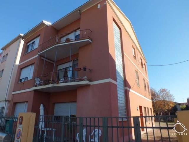 Palazzo / Stabile in vendita a Quistello, 1 locali, prezzo € 210.000 | CambioCasa.it